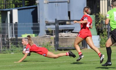 Illawarra Steelers Teagan Berry dives in for her 1st try in rnd 6 of the NSWRL Tarsha Gale Cup v Sharks (Photo : Steve Montgomery)